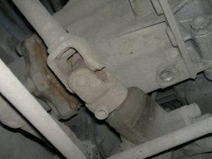 Рулевой вал под капотом